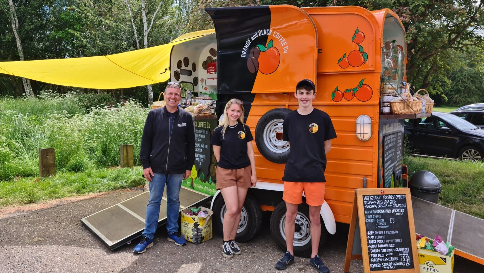 'Hetty' the converted horsebox is packed full of high quality gourmet Country Kitchen food and drinks!